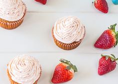 Caramelized White Chocolate Cupcakes with Roasted Strawberry Buttercream Recipe by Delicieux