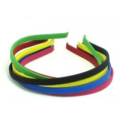Striking headbands in a variety of colours