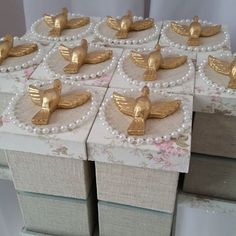 First Communion Cards, Diy And Crafts, Arts And Crafts, Altered Boxes, Box Frames, Kids And Parenting, Christening, Party Favors, Party Themes
