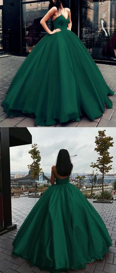 Princess Style Dark Green Tulle Ball Gowns Prom Dresses V-neck Bodice Corset Quinceanera Dresses