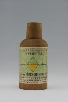 Dentifrice fabriqué à @Tarragona par les Pères Chartreux - vintage #chartreuse