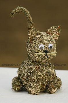 kočka Buddha, Teddy Bear, Christmas Ornaments, Toys, Holiday Decor, Animals, Home Decor, Straw Crafts, Natural Materials