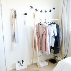 DIY wooden clothes rack in under 15 mins!