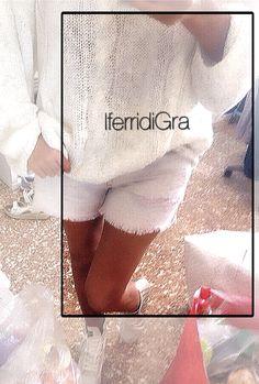 Grunge style ( piu' vivo che mai ) un vero e proprio stile di vita !!! Il maglione lungo ,largo , senza arte nè parte (a me piace chiamarlo cosi' !!! ) bianco, cotone , lavorazione a trecce.