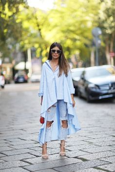 Let us show you how to pack and what to wear on a vacation, ensuring you look and feel great. Style Désinvolte Chic, Street Style Chic, My Style, Lässigen Jeans, Outfit Jeans, Ripped Jeans, Look Fashion, Fashion Outfits, Womens Fashion