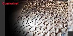 İstanbulda boş arazide çok sayıda silah bulundu: İstanbul Üsküdarda boş bir arazide polis tarafından iş makineleriyle yapılan kazıda çok sayıda tabanca bulundu.Yapılan inceleme sonucu silahların çoğunun kurusıkı olduğu tespit edildi
