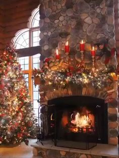 Inspiring Rustic Christmas Fireplace Ideas To Makes Your Home Warmer 57 Christmas Fireplace Mantels, Cabin Christmas, Christmas Scenes, Noel Christmas, Country Christmas, Winter Christmas, Christmas Lights, Fireplace Ideas, Fireplace Decorations
