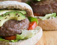 Burger à l'avocat : http://www.fourchette-et-bikini.fr/recettes/recettes-minceur/burger-lavocat.html