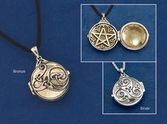 Hidden pentacle locket. gaelsong.com