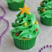 Ready to start your Christmas baking? These easy Christmas treats and sweets recipes are perfectly delicious, whether you have them for a snack or a dessert during the holidays. Try these truffles, cupcakes, and more. Christmas Tree Cupcakes, Holiday Cupcakes, Mini Christmas Tree, Christmas Sweets, Christmas Cooking, Holiday Baking, Christmas Desserts, Holiday Treats, Xmas Tree