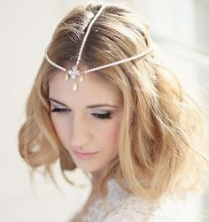 For brides that want to go Boho-chic and slightly Gatsby this is the gorgeous headpiece for you! {Corrine Smith Designs}