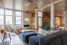 Destin-DIFT-Watt-Ghent-Apartment-11 Luminaire Suspension Design, Modern Loft Apartment, Apartment Design, Best Bathroom Plants, Estilo Interior, Home Exchange, Amazing Bathrooms, Living Room Designs, House Design