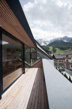 http://www.dezeen.com/2014/07/16/schafer-roofscape-attic-extension-plasma-studio/