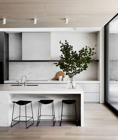 9 Thankful Cool Ideas: Minimalist Kitchen Design Grey minimalist home white simple bedrooms.Minimalist Home Living Room Fireplaces minimalist interior design apartment.Minimalist Home White Simple Bedrooms. Home Interior, Interior Design Kitchen, Modern Interior Design, Kitchen Decor, Kitchen Ideas, Kitchen Modern, Contemporary Interior, Minimalistic Kitchen, Minimal Kitchen Design