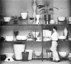 Historial mid-century architectural-pottery