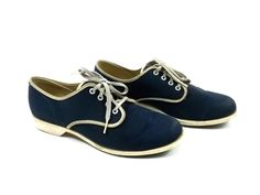 Canvas Vintage Bowling Shoes womens size 8 // Navy and egg shell // lace up // vintage.