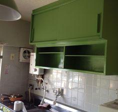 ペンキをぬったけど、失敗したキッチン(食器戸棚)  http://palette.blush.jp/self-reform/2013/05/-3.html