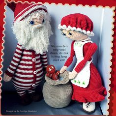 Santa Claus and his lovely wife pattern by De Gretige Haakster Crochet Dolls, Crochet Hats, Christmas Decorations, Christmas Ornaments, Xmas, Mrs Claus, Diy Doll, Christmas And New Year, Doll Toys