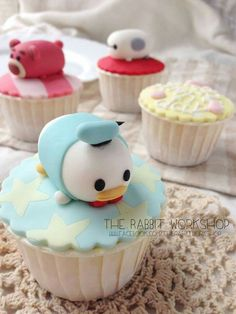 Tsum Tsum cupcakes super cute but looks like it would take forever with the decorations Disney Desserts, Disney Cupcakes, Cute Desserts, Cupcakes Kids, Party Cupcakes, Cute Cakes, Pretty Cakes, Mini Cakes, Cupcake Cakes