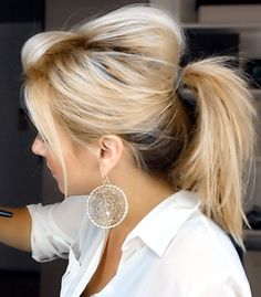 Lover her hair! Ways to Wear Hair Up. For a fun easy messy ponytail look. Love Hair, Great Hair, Gorgeous Hair, Awesome Hair, Up Hairstyles, Pretty Hairstyles, Short Hairstyle, Messy Ponytail Hairstyles, Messy Hair