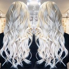 """Hot on Beauty no Instagram: """"It takes months to safely lift hair to this state of lightness, but when the palest of pale goal is realized, watch out world! Gorgeous platinum white hair and style by @deseraytee #platinumhair #whitehair #hairtalk #hotonbeauty"""""""