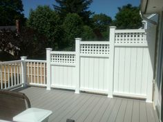 Staggered privacy deck panels with inch slat spacing and square lattice tops. Lattice Privacy Fence, Privacy Wall On Deck, Privacy Fence Designs, Privacy Panels, Patio Privacy, Privacy Fences, Trellis Fence, Fencing, Lattice Top