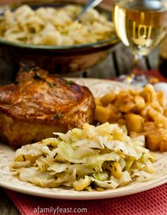 Braised Cabbage & Apples - A wonderful side dish for a fall dinner.  Tender sauteed cabbage & apples that have been flavored with bacon, beer and caraway.  Really delicious!