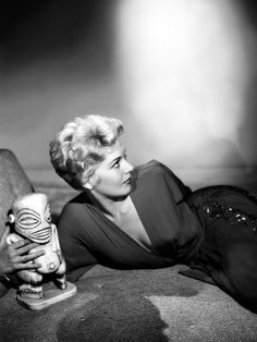 Kim Novak in 'Bell, Book and Candle', 1958.