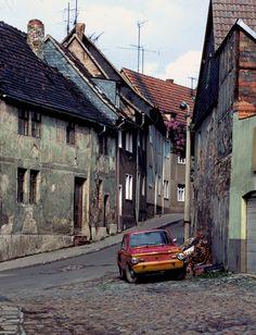 Street Scene, DDR (East Germany), 1984 | ~ https://de.pinterest.com/valeriomaso/ddr-deutsche-demokratische-republik/