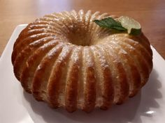 Who has not dreamed of reproducing a great chef& cake? Chef Cake, Lemon Drizzle Cake, Pastry Chef, Bagel, Doughnut, Sweet Recipes, Food And Drink, Baking, Breakfast
