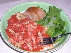 Tomato-Free Marinara Sauce nightshade free pasta sauce vegetalion: tomatoes are evil Beet Recipes, Healthy Pasta Recipes, Healthy Pastas, Sauce Recipes, Whole Food Recipes, Healthy Foods, Marinara Recipe, Marinara Sauce