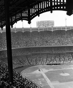 1960 fans crowd yankee stadium
