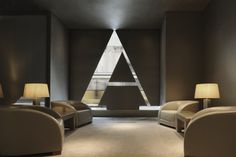 Book Armani Hotel Milano in Milan on Inside Hotels. We guarantee the best rate for your room reservation at Armani Hotel Milano. Top Interior Designers, Luxury Interior Design, Armani Hotel Milan, Hotel Interiors, Hospitality Design, Design Furniture, Mykonos, Retail Design, Interiores Design