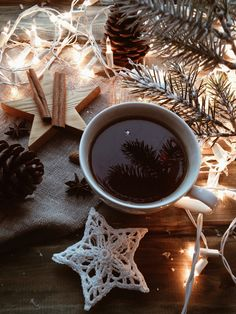 Christmas is Coming by Anna Salynskaya on Christmas Coffee, Christmas Mood, Noel Christmas, Christmas Is Coming, I Love Coffee, My Coffee, Sunday Coffee, Spiced Coffee, Chocolate Navidad