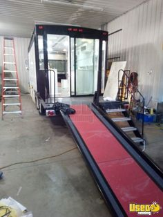 Turnkey 2000 Freightliner Mobile Hair / Nail Salon or Spa for Sale in Michigan, 2019 Build Out! Turnkey 2000 Diesel Freightliner Salon on Wheels with Unused 2019 Salon Mobile Nail Salon, Mobile Beauty Salon, Beauty Salon Decor, Beauty Salon Design, Beauty Salon Interior, Nail Salon For Sale, Hair And Nail Salon, Salon Interior Design, Interior Design Companies