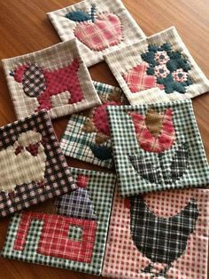 Mug rugs for fun Quilted Coasters, Quilted Potholders, Fabric Coasters, Mug Rug Patterns, Quilt Patterns, Canvas Patterns, Small Quilts, Mini Quilts, Patch Quilt