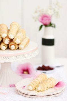 Rurki Z Kremem - Polish crisp pastry filled with custard cream.