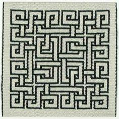 Interlacing motif. Double faced tablet weaving by Marijke van Epen