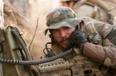 Emile Hirsch talks exclusively about Lone Survivor and the unflinching effort to pay tribute to the real Navy SEALs at the heart of this. Lone Survivor Book, Survivor 2013, Movies In Theaters Now, Marcus Luttrell, Get Movies, Epic Film, The Book Thief, Now And Then Movie, Digital Trends