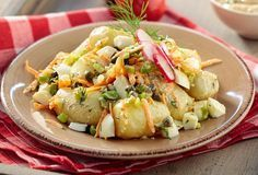 Try this potato salad the old-fashioned way, with eggs, fresh onion, capers and yogurt-mustard dressing. Pureed Food Recipes, Greek Recipes, Cake Recipes, Dessert Recipes, Desserts, Warm Potato Salads, Mustard Dressing, Salad Bar, Pasta Salad