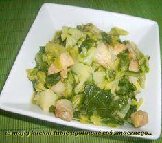 W Mojej Kuchni Lubię..: młoda kapusta z boczkiem i cebulą...