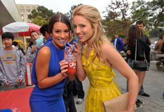 "Dianna Agron - Fox Premiere Of ""Glee"" - Inside"