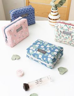Comely Cosmetic Pouch
