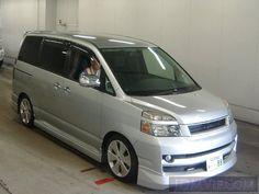 2005 TOYOTA VOXY X AZR60G - http://jdmvip.com/jdmcars/2005_TOYOTA_VOXY_X_AZR60G-mPb2zdWBfMouAKx-60190