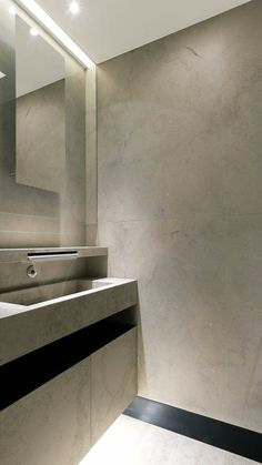 | BATHROOM | HÉLÈNE & OLIVIER LEMPEREUR | Penthouse Friedland