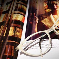 Lindberg  深白色,女人的優雅,女人的魅力,女人的自信。 丹麥工藝@LINDBERG眼鏡。專屬世上獨一無二的妳。 信義區 30年信賴專業驗配 必久戴眼鏡 #LINDBERG 授權 #貴金屬 / #鑽石 / #牛角 Lindberg Precious Lindberg Horn 系列代理店。 台北市信義區忠孝東路五段242號