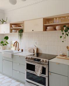 Kitchen Room Design, Modern Kitchen Design, Home Decor Kitchen, Interior Design Kitchen, New Kitchen, Home Kitchens, Kitchen Dining, Modern Design, Küchen Design