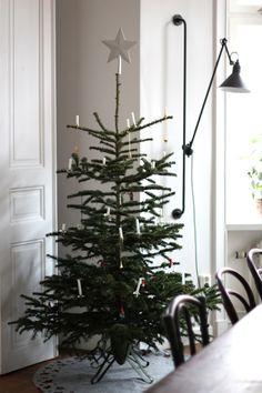 My Christmas tree (Seventeen doors) Merry Little Christmas, Cozy Christmas, Scandinavian Christmas, Christmas Colors, Christmas Holidays, Christmas Decorations, Xmas, Christmas Trees, Holiday Tree
