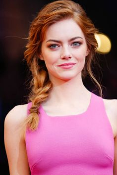 Mara Roszak, celebrity makeup artist for L'Oréal Paris, shares how to recreate Emma Stone's textured side braid.