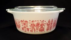 Vintage Pyrex Pink Amish Butterprint Casserole Dish with Lid In Excellent Vintage Condition! Looks to have never been used! Vintage Pyrex Dishes, Vintage Kitchenware, Vintage Glassware, Pyrex Mixing Bowls, Pyrex Bowls, Rare Pyrex, Pink Pyrex, Vintage Baking, Vintage Soul